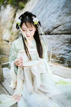 "peonypavillion: "" Girls in Chinese Hanfu 汉服 """