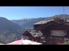 Vue panoramique du Vieux Bourg Mase Valais Suisse