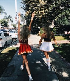 Pin:Gabrielaveceric xoxo summer photoshoot bff p Cheer Pictures, Best Friend Pictures, Friend Photos, Cheerleader Costume, Best Friend Goals, Best Friends, Friends Forever, Tailgate Outfit, Friend Pictures