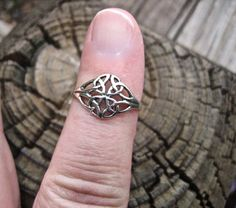 Pretty Vintage 925 Sterling Silver Celtic Ring