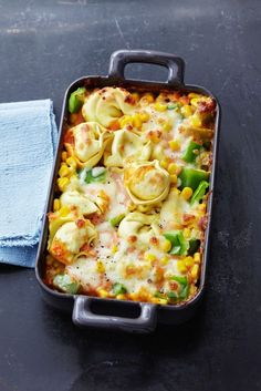 Tortellini casserole with corn and peppers eatsmarter.de Tortellini casserole with corn and peppers eatsmarter. Healthy Eating Tips, Healthy Dinner Recipes, Vegetarian Recipes, Snack Recipes, Drink Recipes, Bread Recipes, Crock Pot Recipes, Pasta Recipes, Macaroni And Cheese