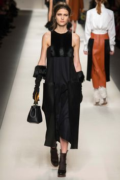 Italian luxury fashion house Fendi presented their new fall/winter 2015 collection at Milan fashion week fall Doutzen Kroes Lily Donaldson Karlie Kloss Fashion Week 2015, Milano Fashion Week, Fendi, Runway Fashion, Fashion Show, Fashion Design, Milan Fashion, Women's Fashion, Street Fashion
