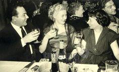 Gesellschaft in Berlin, 1952 RalphH/Timeline Images #Feier #Party #Berlin #Nostalgie #Alkohol