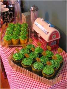 On the Farm Baby Shower « Sweet Iced Tea @Danni Bresnahan  - we could TOTALLY pull this off!!!