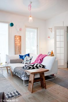 I would love to replace our office wall lamp with that wall light!! and i love those pops of colour