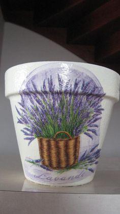 decoupage-my flowerpot with lavender