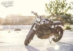 "BMW K100 Street Tracker ""La Malagueña"" by @caferacerpasion - Photo by @onewayimageagency"