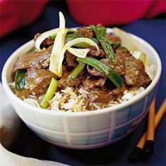 Asian Ginger Beef - Preparation time: 10 minutes Slow Cooker Size Serves: 6 Cooking time: hours on Low setting or hours on high Asian Recipes, Beef Recipes, Cooker Recipes, Healthy Recipes, Asian Foods, Chinese Recipes, Slow Cooking, Cooking Time, Frango Chicken