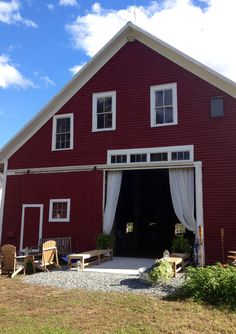 Beautiful barn in NH for weddings.