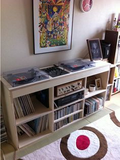 DJ desk Record Shelf, Vinyl Record Storage, Arnaldo Baptista, Turntable Setup, Dj Table, Dj Decks, Cd Storage, Vinyl Room, Dj Setup