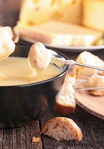 So schmeckt das Original Schweizer Käsefondue: 8 feine Rezepte zum Dahinschmelzen