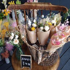 천일동안 시들지 않는 꽃 프리저브드 프라워 꽃다발 데려가세요^^ . 플로랑 아뜰리에 놀러오세요 . #플로랑 #아뜰리에 #시들지않는꽃…