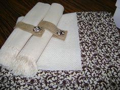 Toalha de mesa em tear com tecido