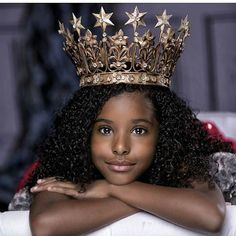 @Regrann from @frobabies -  Had a dream I was Queen, woke up, still a Queen! 👸🏾👑💁🏽😍 #Frobabies #Frobaby #Melanin  #trendykiddies #naturalkids #naturalhair  #teamnatural  #melanin  #naturalista  #LOVE #happy #family  #cute #awesome  #familia#cool #black #fun  #smile  #motherhood #boanoite #mommy  #curls  #afro  #heir #princess #goddess #queen