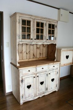 cupboard-003-a-big.jpg (800×1200)