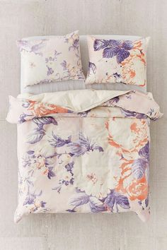 48 Most Preeminent Urban Outfitters Ruffle Duvet Where To Find Bedding Like Cute Covers Bed Sheets Aztec Cover Innovation Comforters Plum And Bow Rose Duvet Cover, Bed Duvet Covers, Duvet Sets, Duvet Covers Urban Outfitters, Flannel Duvet Cover, Motifs Roses, Make Your Bed, Linen Bedding, Bed Linens