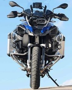 BMW ready to beast. Bmw Scrambler, Motos Bmw, Bmw Motorbikes, Bmw R1200gs Adventure, Bmw Adventure Bike, Gs 1200 Adventure, Bike Bmw, Moto Bike, Motorcycle Garage