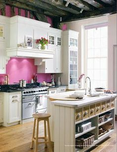 love everything about this kitchen EXCEPT the pink pepto bismal walls. an apple or celery green would be much nicer