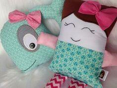 Almofadas mini baleia e boneca