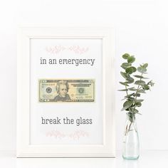 """In An Emergency"" Graduation Gift - Sendo Online Invitations Money Lei, Money Origami, Money Cards, Gift Money, Money Gifting, Gift Cards, Creative Money Gifts, Creative Gift Wrapping, Wrapping Ideas"