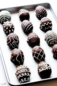 Easter Truffles with Oreos - only 4 ingredients! 1 packet of Oreos, 1 package cream cheese, Dark chocolate buttons and Candy Melts from Wilton.