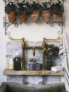 Great potting sink.