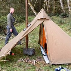 Would you like to go camping? If you would, you may be interested in turning your next camping adventure into a camping vacation. Camping vacations are fun and exciting, whether you choose to go . Bushcraft Camping, Camping Diy, Winter Camping, Camping Survival, Camping Checklist, Camping Hacks, Camping Hammock, Bushcraft Backpack, Camping Kitchen