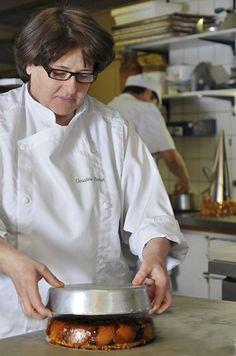 Cake Aux Fruits, Dessert Aux Fruits, Christine Ferber, Chefs, Alsace, Cake Cookies, Tea Time, Quelque Chose, Cooking