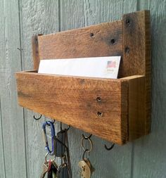 Reclaimed Pallet Wood Mail And Key Rack / The Samson / No.105