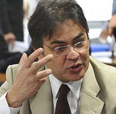 Líder tucano sobre ataque do PT a FHC: 'Topamos a briga, não vão intimidar'