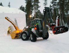 Lännen 8600G & Snow plower #Lännen #Lannen #multifunction #machine #backhoeloader #excavator
