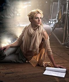 Celebrity Fashion: Kate Winslet's Fall Ad Campaign For St. John's Brand Celebrity Branding, Sexy Librarian, Judi Dench, Kate Hudson, Kate Winslet, Look Chic, Kate Moss, Hollywood Glamour, Beautiful Actresses