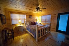 """The WildWood cabin is nestled perfectly in the """"Southern Hills"""" edition which is one of the most beautiful areas around Broken Bow Lake and only minutes from Beavers Bend State Park."""