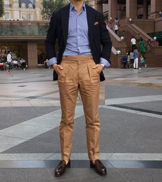 Sundays in Tokyo. Indian Men Fashion, Mens Fashion Suits, Fashion Pants, Loafers Outfit, Tassel Loafers, Loafers Men, Mens Pleated Trousers, Brown Pants Outfit, Polo Shirt Outfits