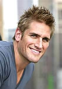 I love  Curtis Stone. SO DOWN TO EARTH & HAS ANGELIC EYES TOO!