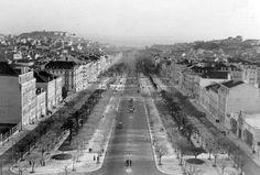 Uma panorâmica da Avenida da Liberdade, no ano de 1930