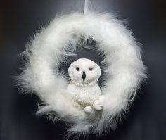Pom pom owl wreath