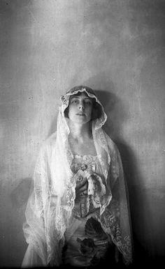 Elizabeth Fletcher in her wedding gown, 1919 (Kate Matthews)