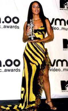 The VMAs totally forgot something tonight. RIP to Aaliyah it's been 12 years and most of us still haven't forgotten you. Yeah they didnt mention her at all :(
