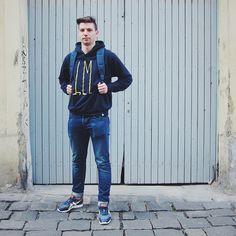 Fashion Advisor Mari vám v Praze na storu poradí ty nelepší kousky,co právě letí. On si oblíbil značku Loreak Mendian, a Herschel Supply.
