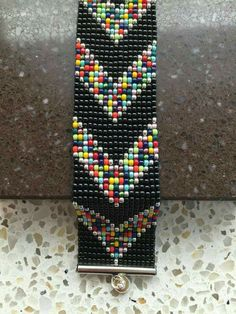 pixels I wanted showing you making a bracelet with natural stone and leather thread with video. Loom Bracelet Patterns, Bead Loom Bracelets, Bead Loom Patterns, Beaded Jewelry Patterns, Peyote Patterns, Beading Patterns, Beading Ideas, Bead Loom Designs, Motifs Perler
