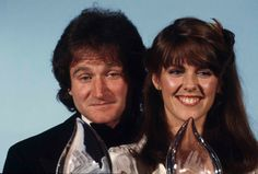 """. Robin Williams, left, and Pam Dawber, of ABC's TV show """"Mork & Mindy"""" are shown at the Fifth Annual People's Choice Awards in Los Angeles, Calif., March 8, 1979. Both Williams and Dawber won the Favorite Male and Female Performer awards in a new TV program. (AP Photo/Reed Saxon)"""