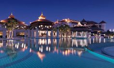 Anantara Dubai The Palm Resort & Spa. Examples of places to live in the Middle East - so if you do oil career or oil rig job in Dubai, you can consider this. Hotel A Dubai, Dubai Resorts, Hotel Pool, Best Resorts, Hotels And Resorts, Luxury Hotels, Dubai Uae, Palm Resort, Resort Spa