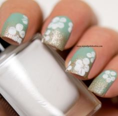 Floral nails - #midsummer - http://www.mynailpolishonline.com/2016/06/nail-art-2/floral-nails-midsummer/