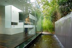 25 idées de salles de bain transparentes - Visit the website to see all pictures http://www.amenagementdesign.com/decoration/25-idees-salles-de-bain-transparentes/