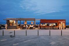 Bar de plage La Guingueta pendant la nuit
