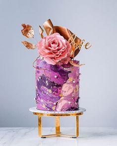Pretty Cakes, Beautiful Cakes, Amazing Cakes, 7 Cake, Cake Art, Art Birthday Cake, Flower Cake Decorations, Wafer Paper Flowers, Modern Cakes