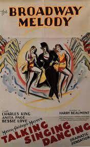 """Mientras EEUU se desplomaba, Harry Beaumont impresionaba.  """"The Broadway Melody of 1929"""" es un hito en la historia del cine. Es el primer """"gran músical"""": la primera película íntegramente hablada con canciones y bailes, auspiciada por una gran productora y elaborada sobre un argumento melodramático. El logro fue hacer una buena película que incorporase todos los avances técnicos del sonido.la Academia lo recompensó con el Óscar a la Mejor Película (el primero, claro, ganado para el cine…"""