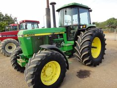 Auction Lot 1275 (JOHN DEERE 4055 4WD TRACTOR with 710/38s Tyres. G Reg) Image 1