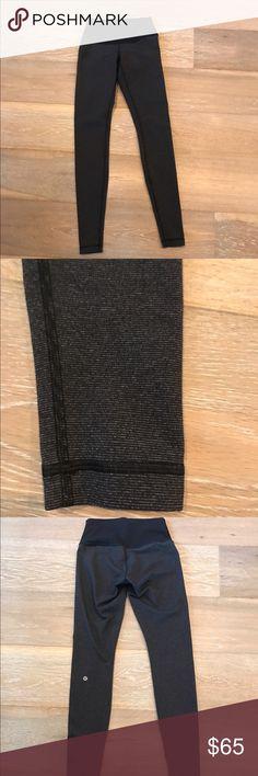 Lululemon low rise Wonder Under leggings Lululemon Low Rise Wunder Under full length leggings. Black and grey tiny stripes. Super soft. To small on me😱 smoke free home👍 lululemon athletica Pants Leggings